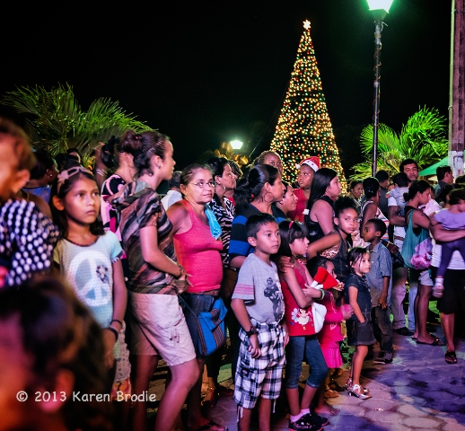 annual love fm christmas parade san pedro town
