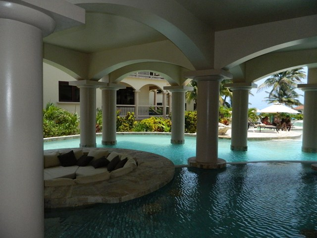 pool at coco beach belize