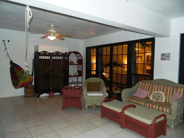 condos for rent in belize