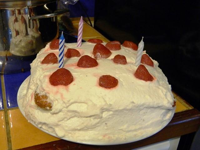 frozen strawberry cake belize